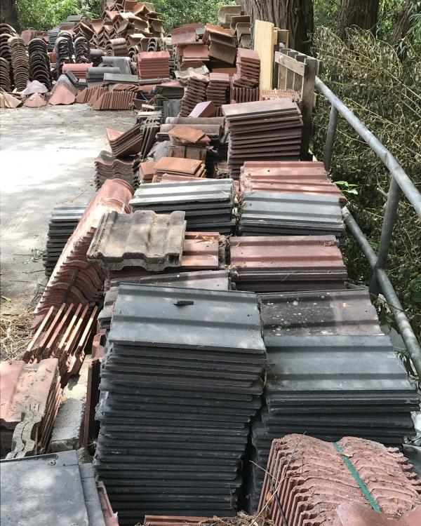 reclaimed roofing tiles available