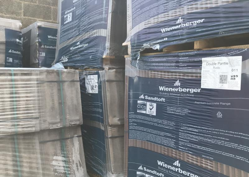 roof tiles pallets